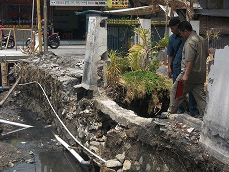 Proyek Drainage Jln Sutoyo Diprediksi Tidak Kelar