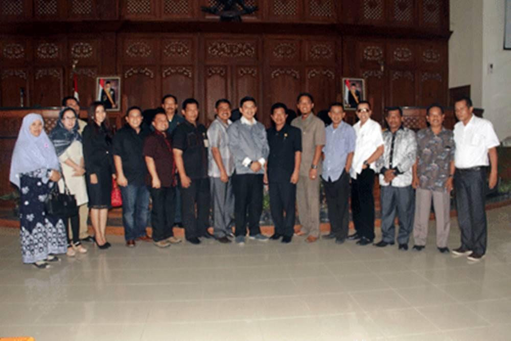 DPRD Kota Jambi Serap Pengalaman Ijin Bodong