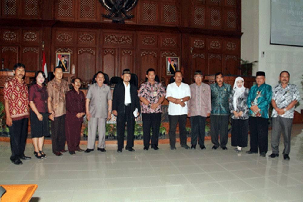 Nganjuk Timba Pengalaman Atasi Absensi Anggota DPRD