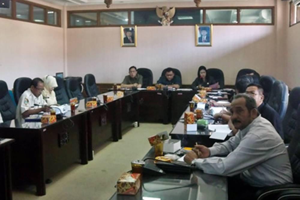 Rapat Kerja Komisi I Berlangsung Dinamis