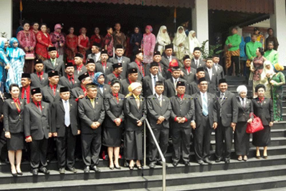 Susunan Dan Anggota Fraksi Diumumkan