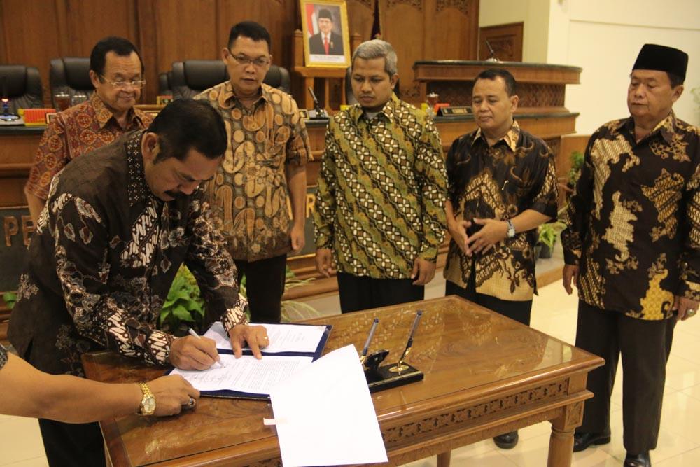 Rapat Paripurna Persetujuan Bersama Raperda RPJMD Kota Surakarta