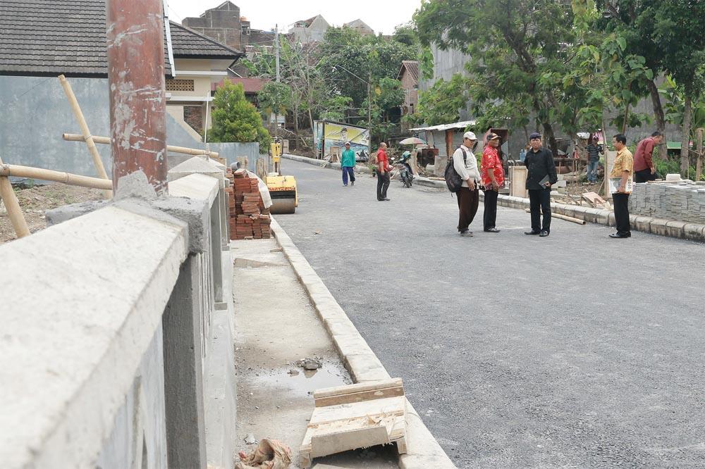 Komisi II Sidak ke Jembatan Sabrang Lor
