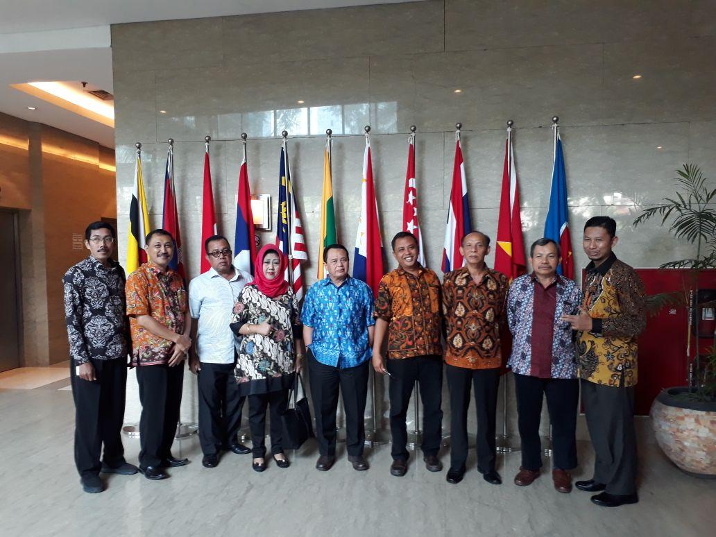 Konsultasi Komisi 3 DPRD Kota Surakarta ke Kementerian Pariwisata & Kementerian Sosial