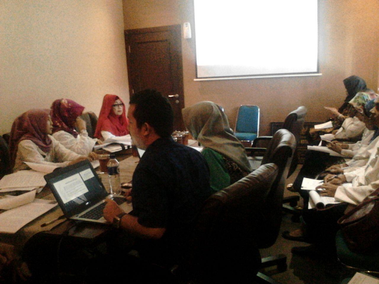 Rapat Sekretariat DPRD untuk Monitoring dan Evaluasi