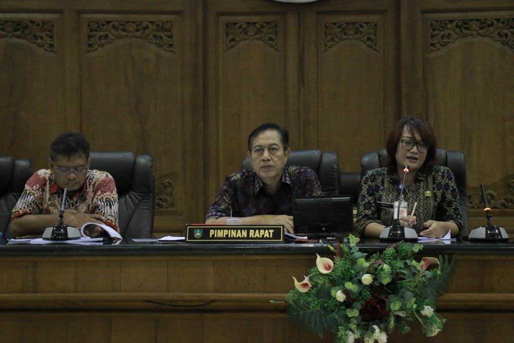 Public Hearing Pansus Raperda tentang Penyertaan Moda Kepada PERUMDA PAU Pedaringan