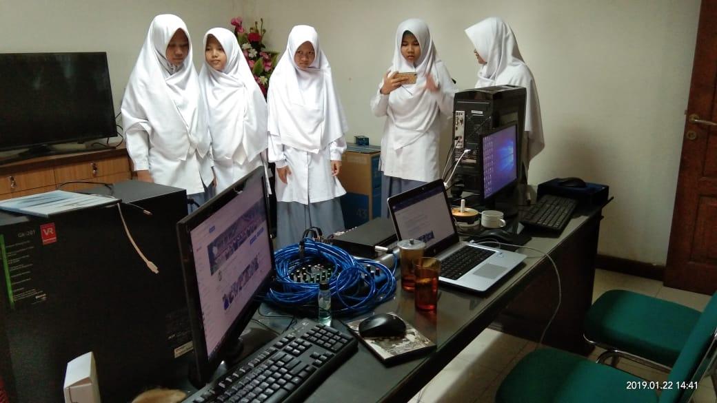 Penerimaan Kunjungan Kerja dari SMK Islam Terpadu Smart Informatika Surakarta