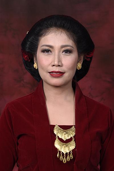 Elizabeth Pujiningati