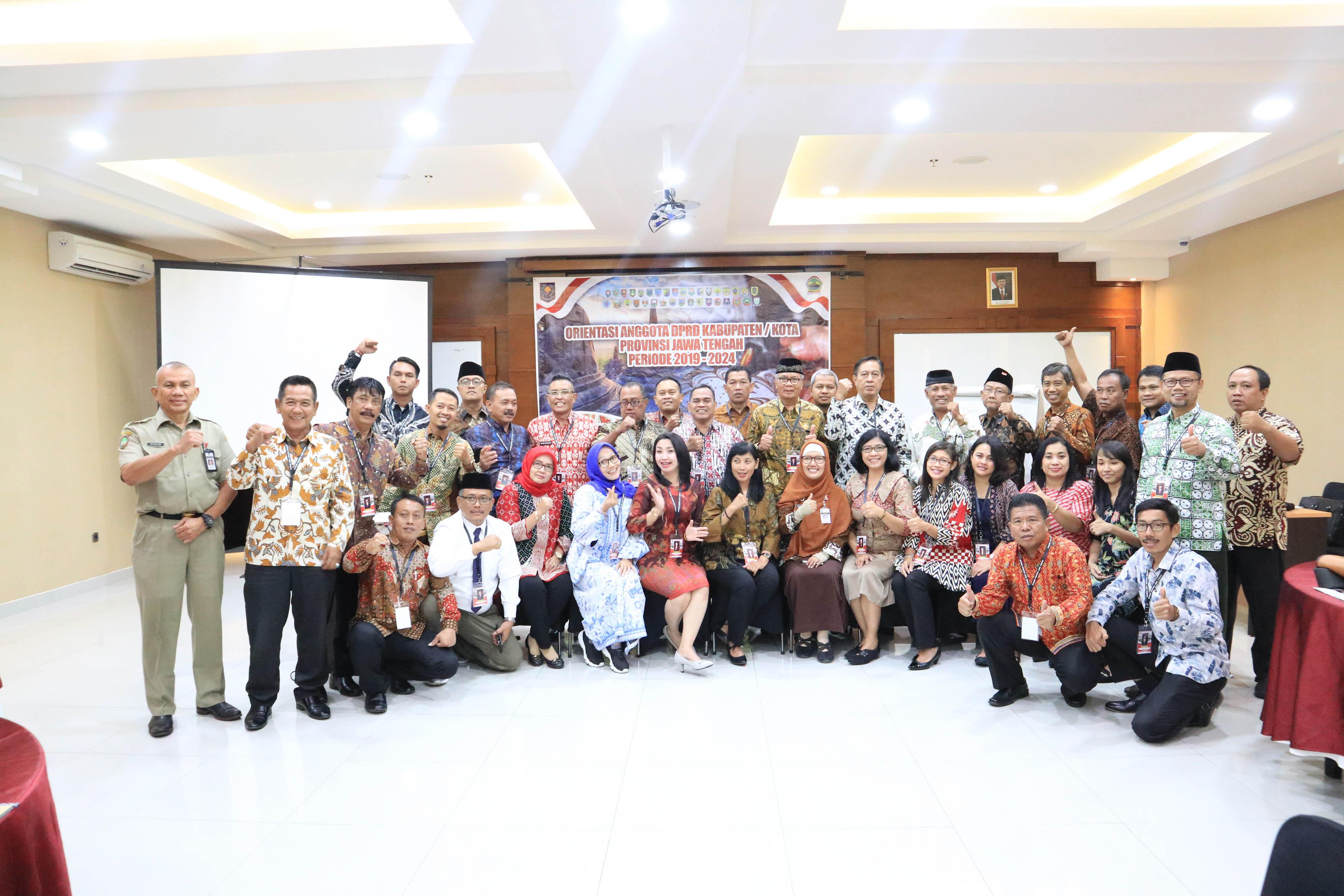 Kegiatan Orientasi Anggota DPRD Kota Surakarta