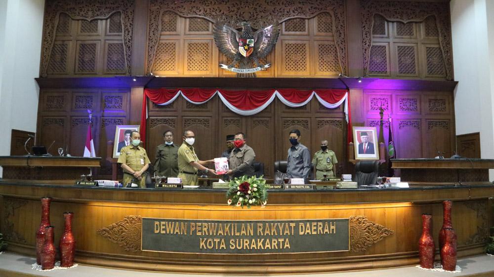 RAPAT PARIPURNA III DPRD Surakarta