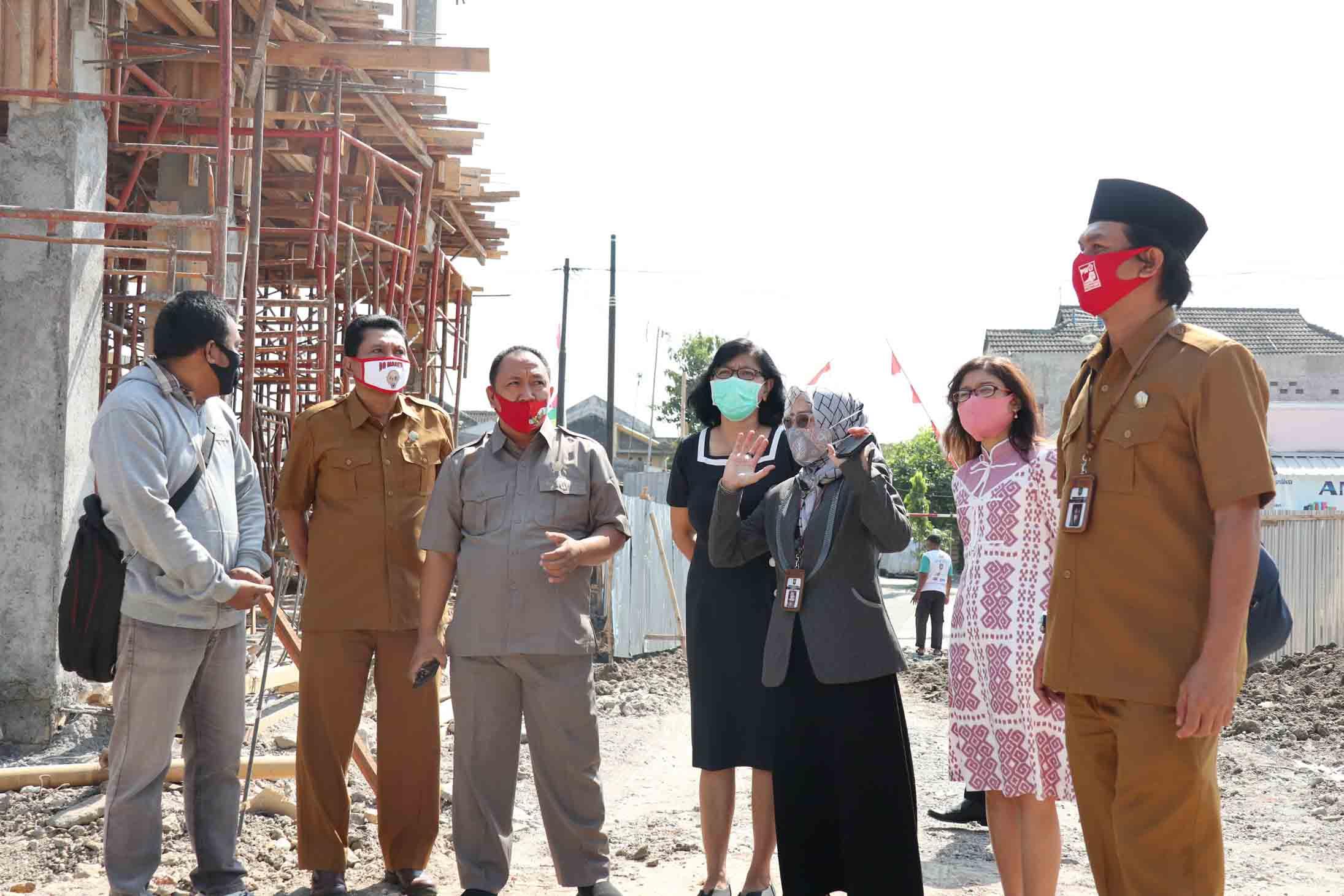 Sidak Komisi IV DPRD Kota Surakarta ke Proyek Pembangunan SD Mojosongo V dan VI dilanjutkan SD Kleco I dan II