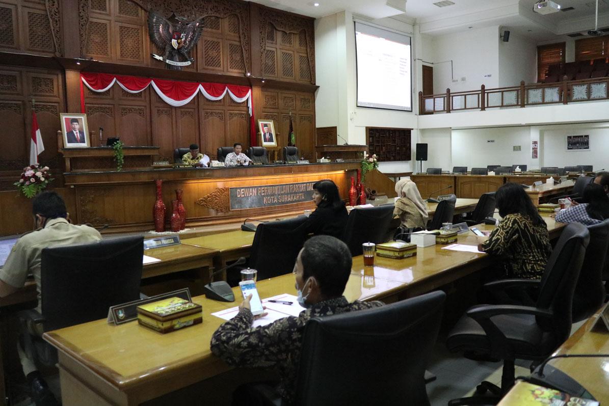 Ketua DPRD Surakarta : Dua Raperda dan Permit Selesai Akhir November 2020