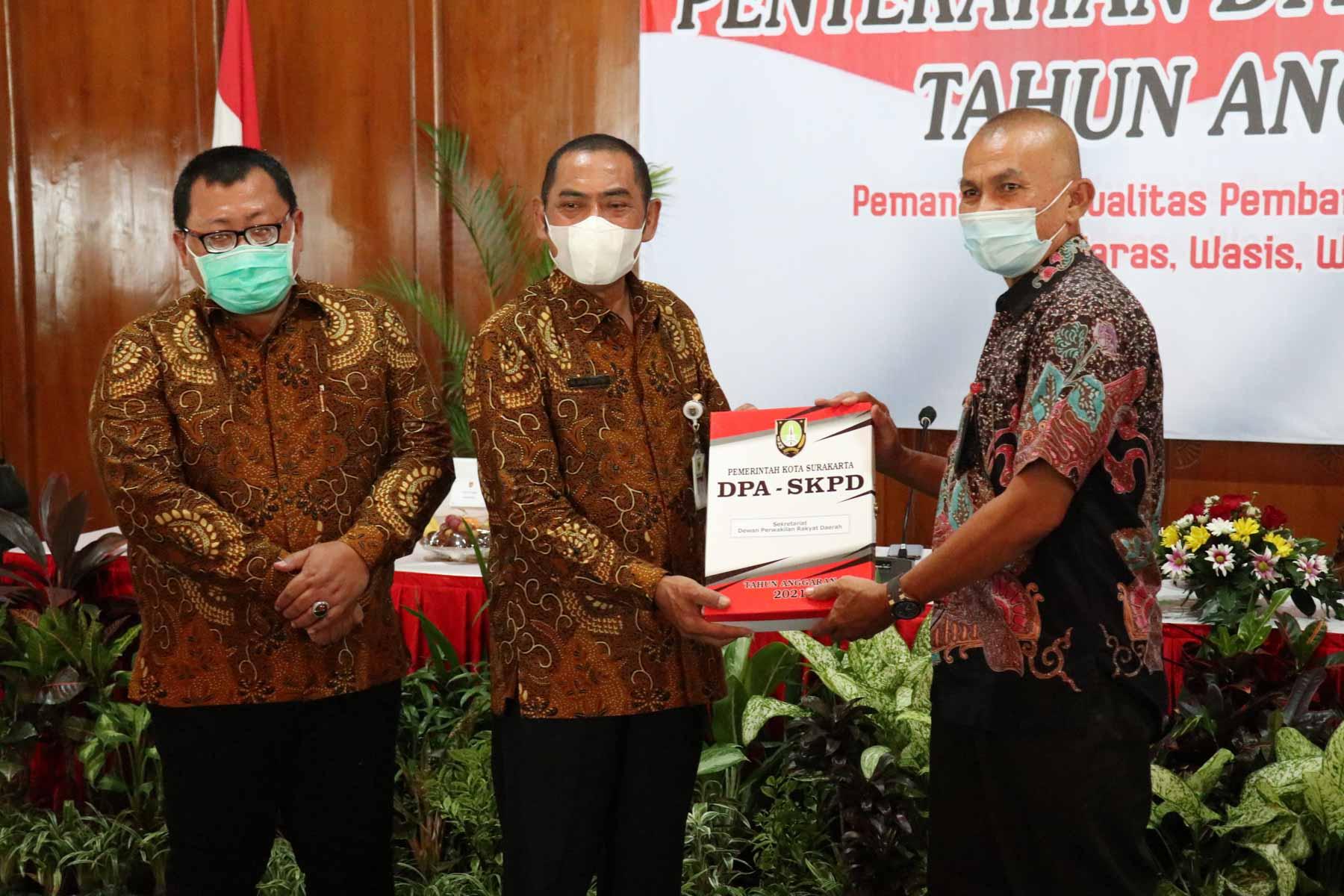 Ketua DPRD Hadiri Penyerahan DPA Pemkot Solo Tahun Anggaran 2021
