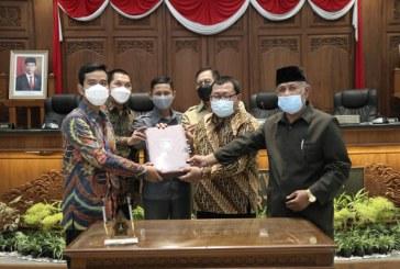 Wali Kota dan DPRD Surakarta Setujui Bersama Raperda Penyertaan Modal Pada PDAM