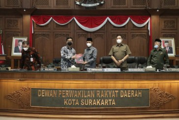Gibran Sampaikan Pengantar LKPJ Wali Kota Surakarta Tahun Anggaran 2020