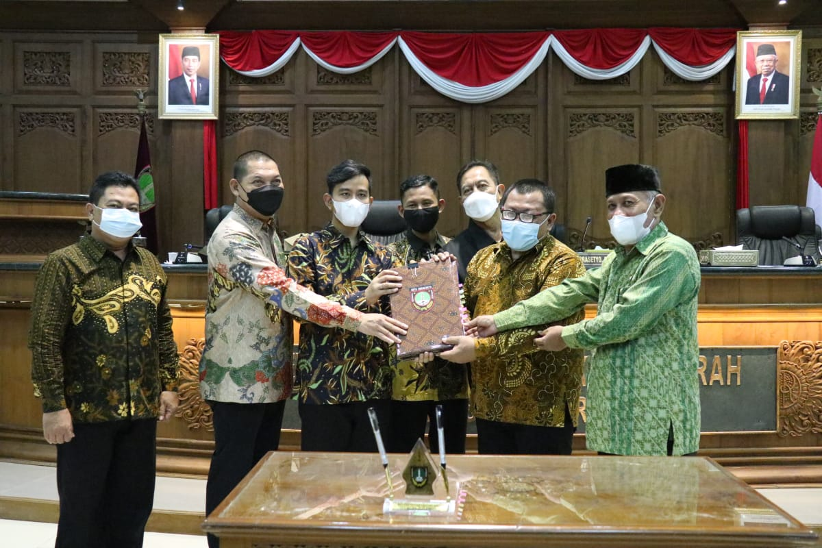 Gibran Sampaikan Terima Kasih, DPRD Tetapkan Perda RTRW dan Penyertaan Modal